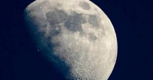 ناسا تمهد لإقامة وعمل الإنسان على سطح القمر
