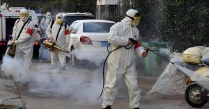 الصحة العالمية تحذر من رش المطهرات بالشوارع