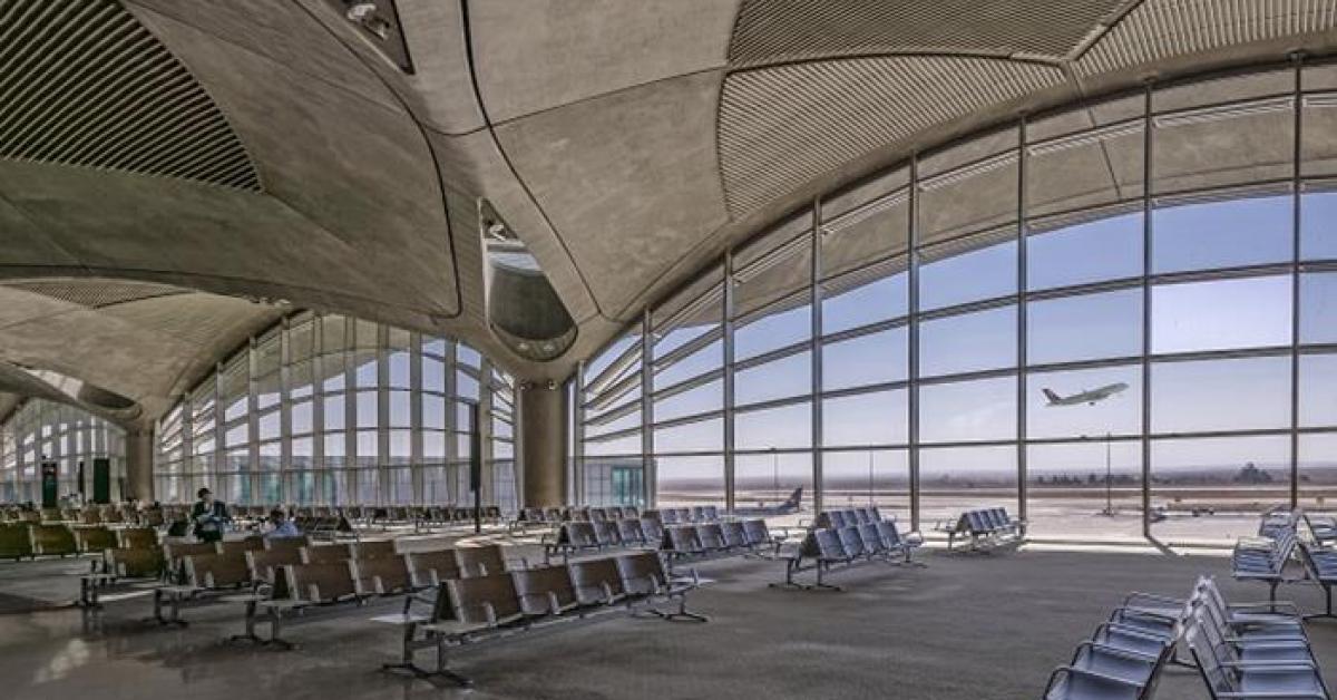الأردن يفتح مطار الملكة علياء لإجلاء الفلسطينيين العالقين