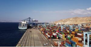 العقبة: غرامات بدل أرضيات على مئات حاويات البضائع خلال الحظر