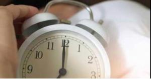 طريقة لحساب عدد ساعات النوم التي تحتاجها بالفعل