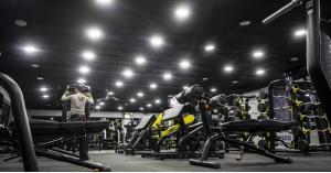 الصحة النيابية تحذر من إعادة فتح الصالات الرياضية