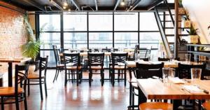 السماح للمطاعم والمقاهي بالعمل