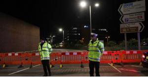 إصابة 22 ضابط شرطة بريطاني في حفل موسيقى