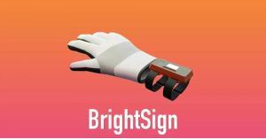 قفازات ذكية تترجم لغة الإشارة