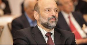 وزير أسبق للرزاز: الإجراءات الحكومية بالاقتطاعات من رواتب الموظفين زادت عن حدها