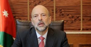 الرزاز: العالم يثق بالاقتصاد الأردني والدليل المنح والمساعدات المقدمة