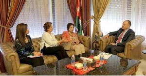 العضايلة يلتقي وفدا من جمعية النساء العربيات