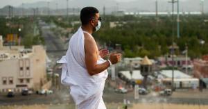 حجاج بيت الله الحرام يبدأون النفرة من عرفات