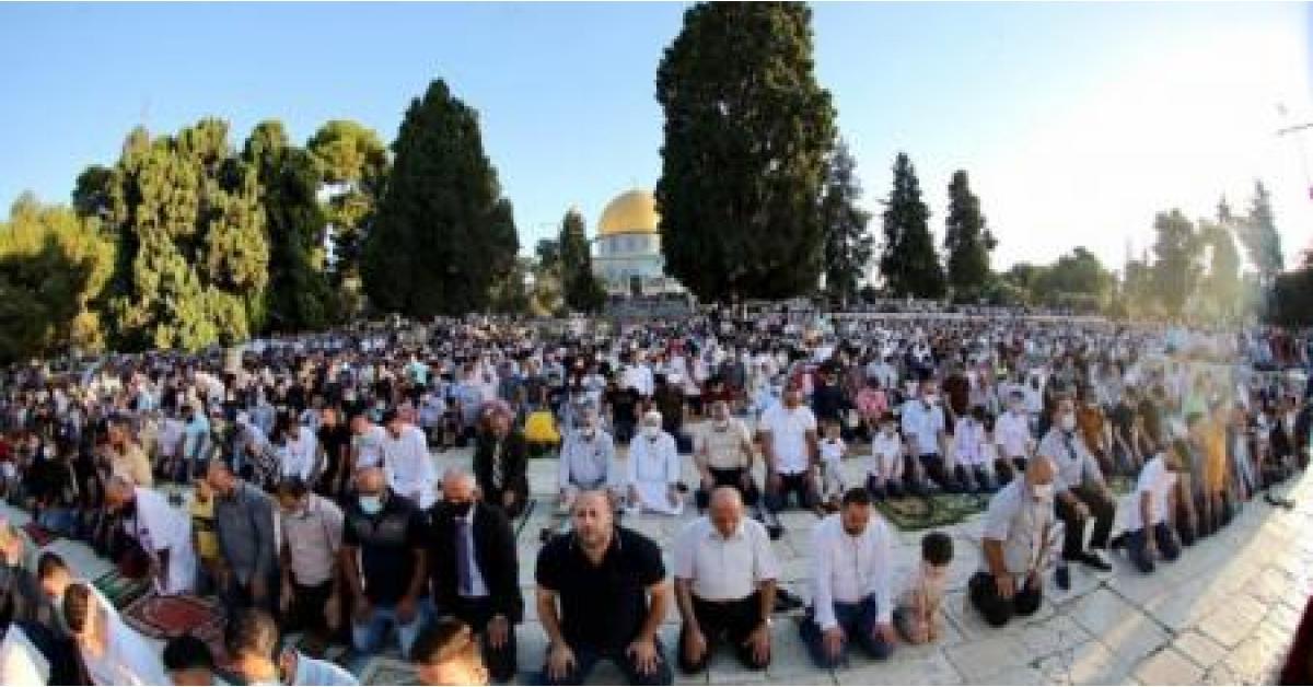 أكثر من 27 ألف مصلٍ أدوا صلاة عيد الأضحى في الأقصى