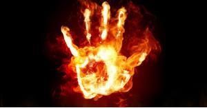 طالب يحرق نفسه في جامعة خاصة بعمان