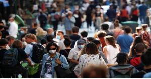 فرنسا تشدد قيود احتواء كورونا