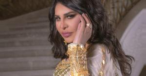 أحلام تنهار باكية في السعودية - فيديو