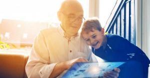 عملية احتيال قديمة تكشف سر كراهية المسنين للتكنولوجيا