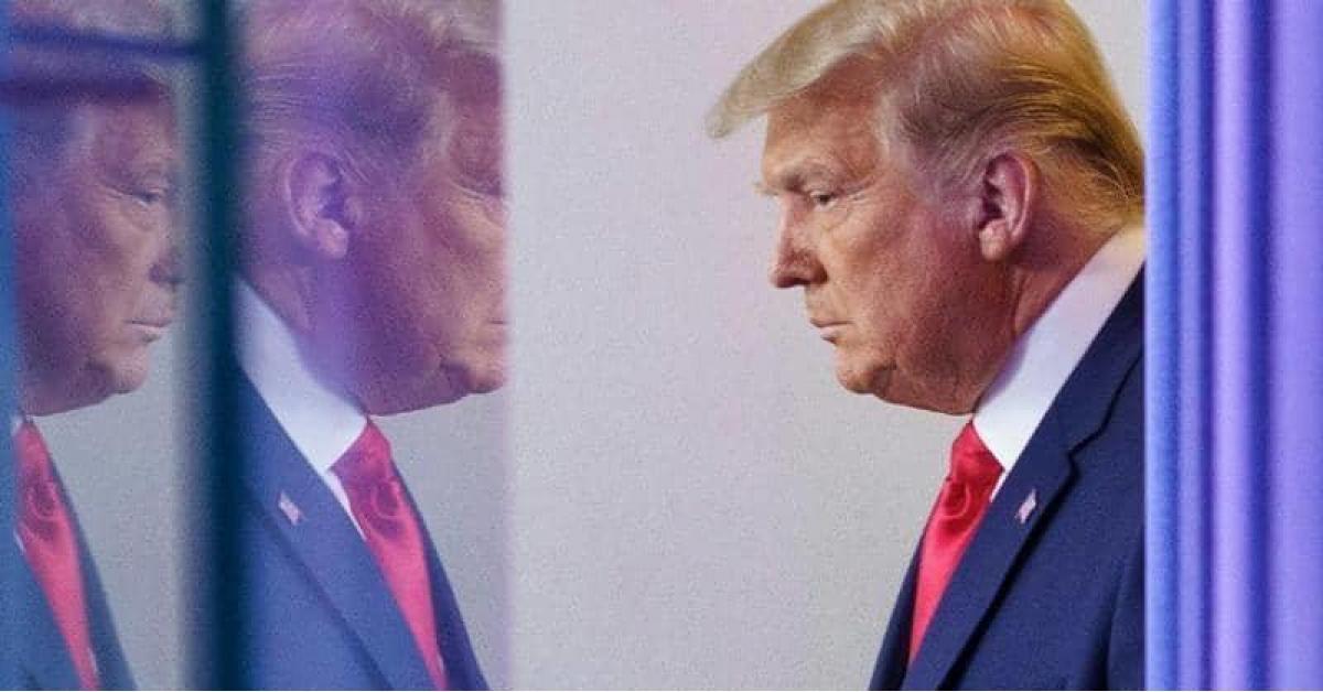 ترامب يدعو أنصاره إلى قلب نتيجة الانتخابات