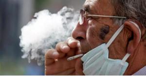 طبيب أردني يدعو لحظر التدخين في الأماكن العامة بالأردن