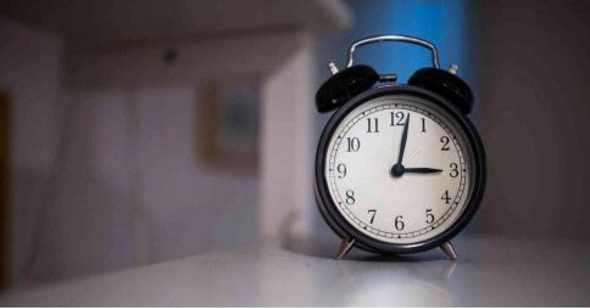 تعرف على أسباب الاستيقاظ عند الثالثة صباحاً
