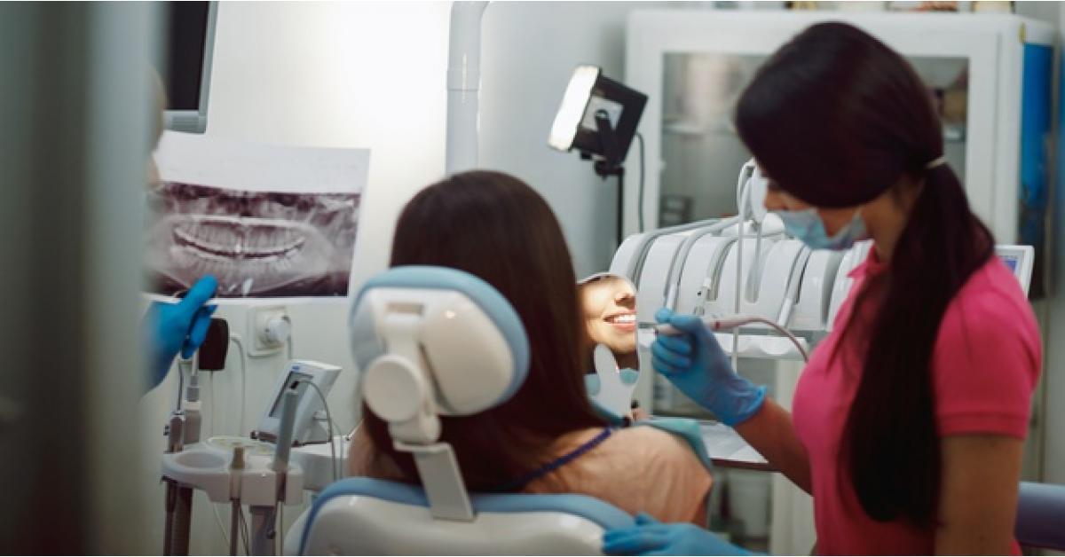 """تفاصيل جديدة حول وفاة """"طبيبة الاسنان"""" بعد إجراء عملية شفط الدهون لها في عمان"""