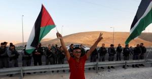 لماذا ينادى بدولة واحدة لحل القضية الفلسطينية؟ .. سفير فلسطيني يوضح