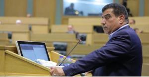 عواد يطالب بزيادة رواتب المدنيين والعسكريين 50 دينارا