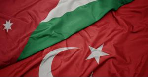الأردن يؤكد تضامنه مع تركيا بعد حادث تحطم مروحية عسكرية