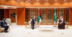 الملك يلتقي ولي العهد السعودي