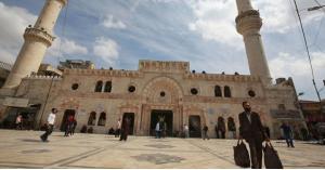 95 نائباً يطالبون بتقلص الحظر وفتح المساجد