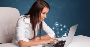 مواقع التواصل الاجتماعي تؤثر سلباً على صحتك النفسية!