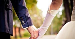 أسباب تدفع الرجال للزواج بفتيات تصغرهم سنا