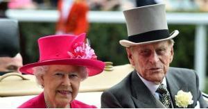 الملكة إليزابيث تستأنف مهامها