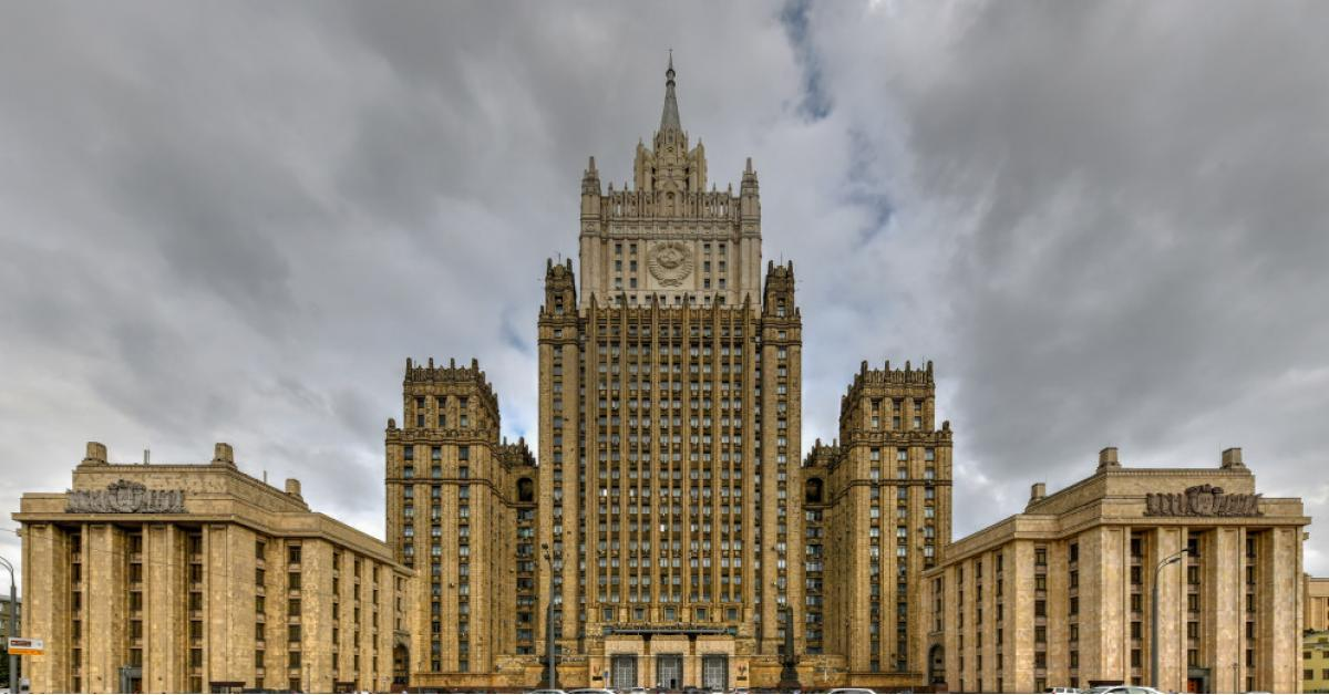 موسكو تردّ على بروكسل بفرض عقوبات على ثمانية مسؤولين أوروبيين