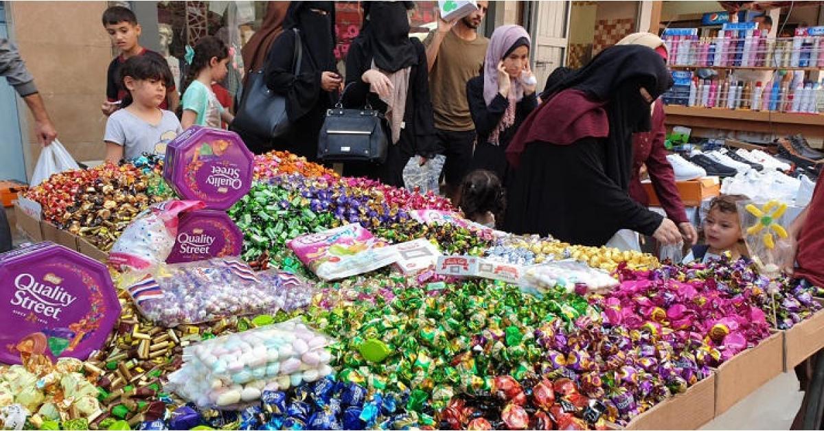 """أصوات الأردنيين تتعالى مطالبة بإلغاء الحظر الليلي استعدادا لعيد الفطر .. """"تفاصيل"""""""