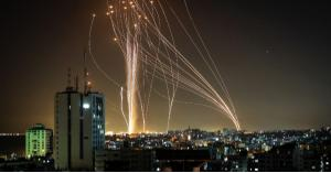 إطلاق 100 صاروخ نحو بئر السبع و110 نحو تل أبيب ومطار اللد