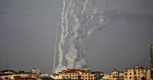 الفصائل الفلسطينية تطلق دفعة جديدة من الصواريخ باتجاه بلدات إسرائيلية