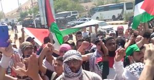 لليوم الثاني .. أردنيون يحتشدون قرب الحدود