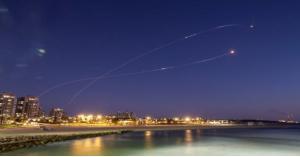 غزة تُطلق صواريخا نحو القدس المحتلة وتل أبيب وأسدود وعسقلان