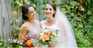 عروس تطرد صديقتها من زفافها بسبب مكياجها المميز