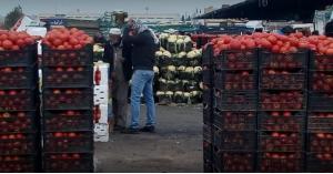 نقيب تجار الخضراوات والفواكه : القطاع في أسوأ حال