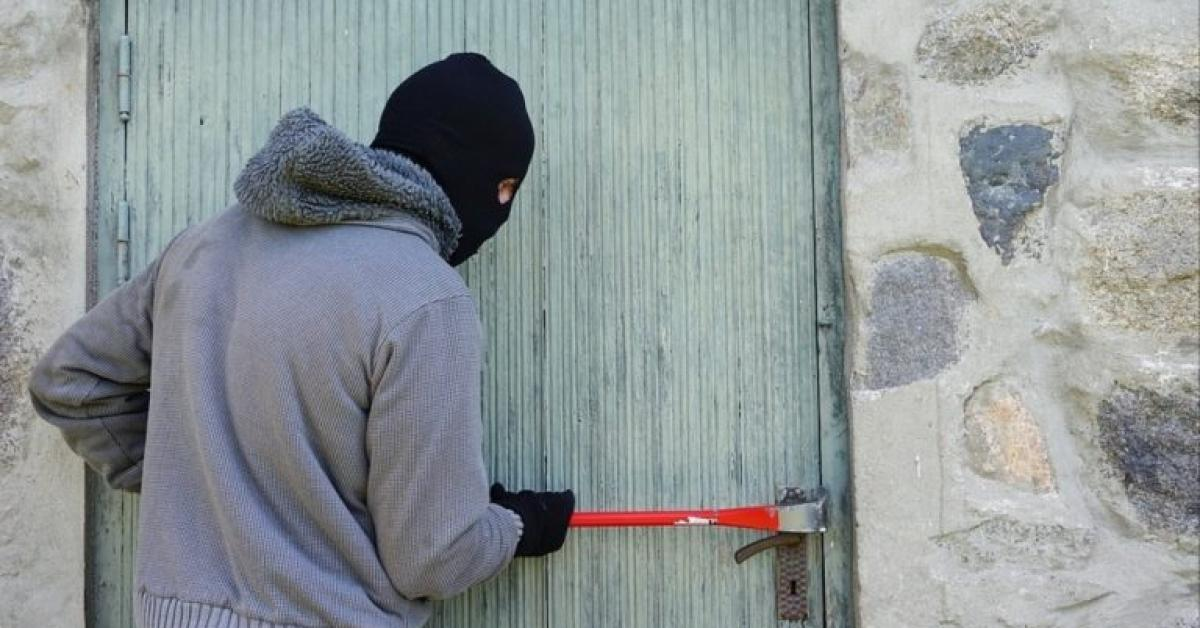 الأمن يضبط سارق منزل متلبساً بالجرم المشهود في عمان