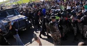 توقيف أحد المعتدين على سيارة رئيس الديوان الملكي