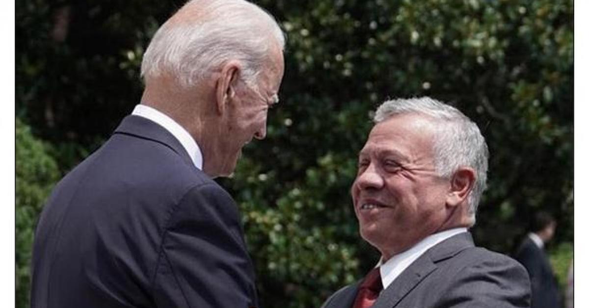 الكاتب رافيد: الملك هو أول زعيم عربي يزور الرئيس بايدن