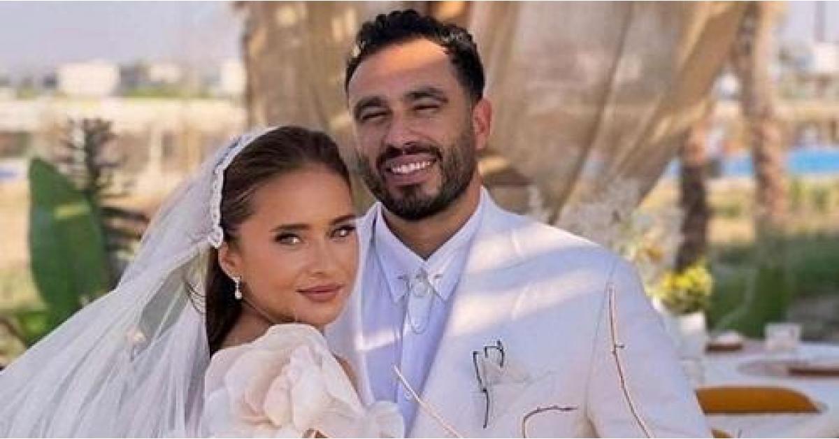 هالة صدقي تبرر زواج نيللي كريم بُعيد وفاة الفنانة دلال