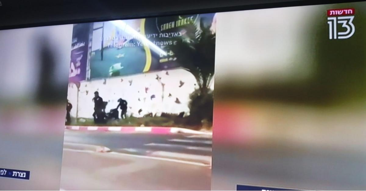الاحتلال يعتقل 2 من أسرى جلبوع (صور)الاحتلال يعتقل 2 من أسرى جلبوع (صور)