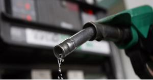 بعد شكاوى مواطنين.. توضيح مهم بشأن مادة البنزين