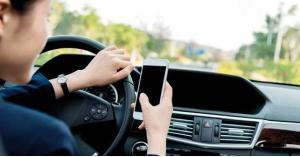 الأمن: التطبيقات الذكية الخطر الأكبر على السائق