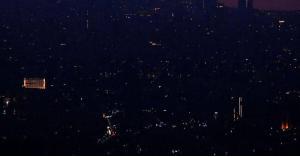 البلاد تدخل في العتمة.. انقطاع كلي للكهرباء في لبنان