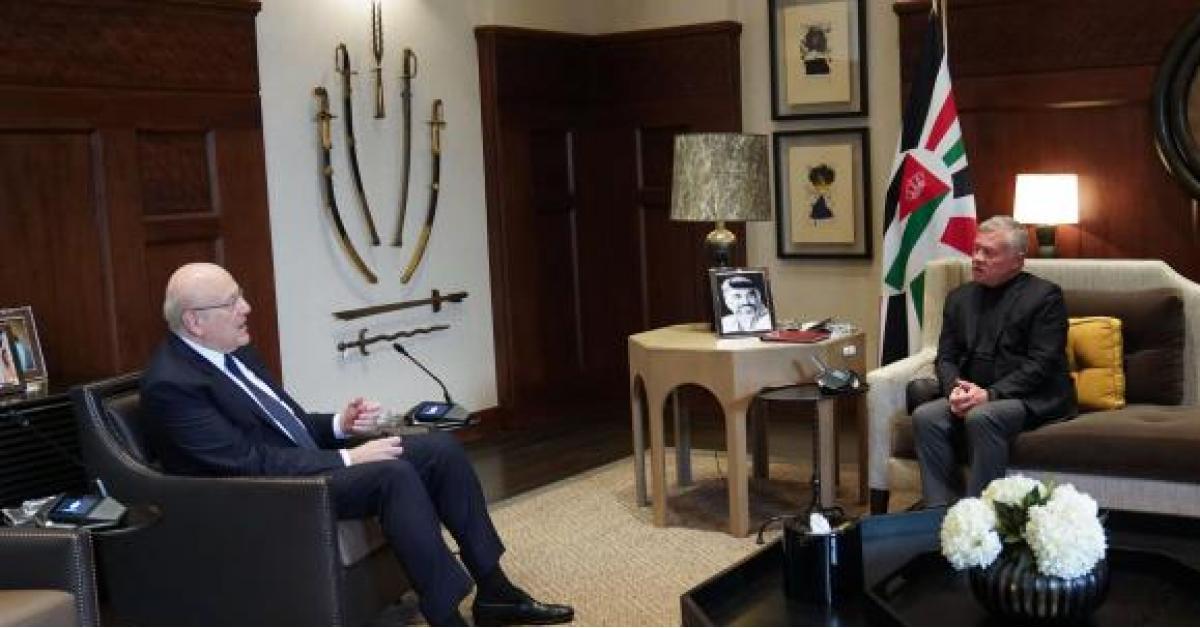 الملك يؤكد وقوف الأردن بجانب لبنان وشعبه