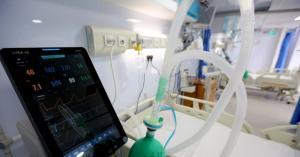 الأردن يتسلم منحة أوكسجين طبي من السعودية