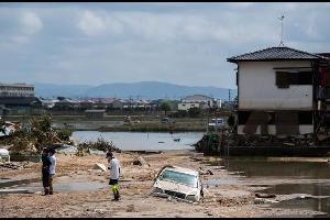 ارتفعت الحصيلة المؤقتة للأمطار الغزيرة التي هطلت الأسبوع الماضي على غرب اليابان
