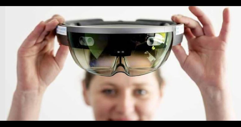 تجري شركة فيسبوك تجارب على إضافة إعلانات تعتمد على تقنية الواقع المعزز على الصفحات الرئيسية للمستخدمين، قبل موسم التسوق بالولايات المتحدة.